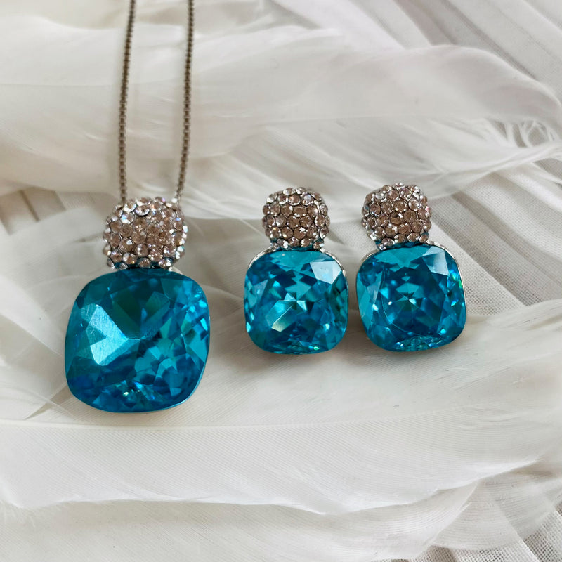 Platinum Plated Aquamarine Cubic Zirconia Pendant & Earring Set