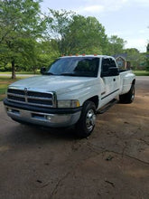 Load image into Gallery viewer, 2001 Dodge Ram 3500 Laramie SLT w/ 108k miles