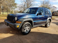 Load image into Gallery viewer, 2006 Jeep Liberty Renegade 4x4