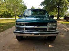 Load image into Gallery viewer, 1998 Chevrolet Silverado 1500 4x4