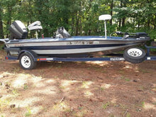 Load image into Gallery viewer, 1995 Sprint 17 foot fiberglass boat with 90 Mercury Force motor
