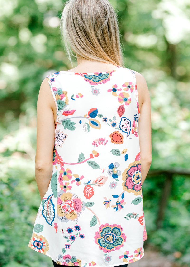 B I'm Booked Sleeveless Floral Top