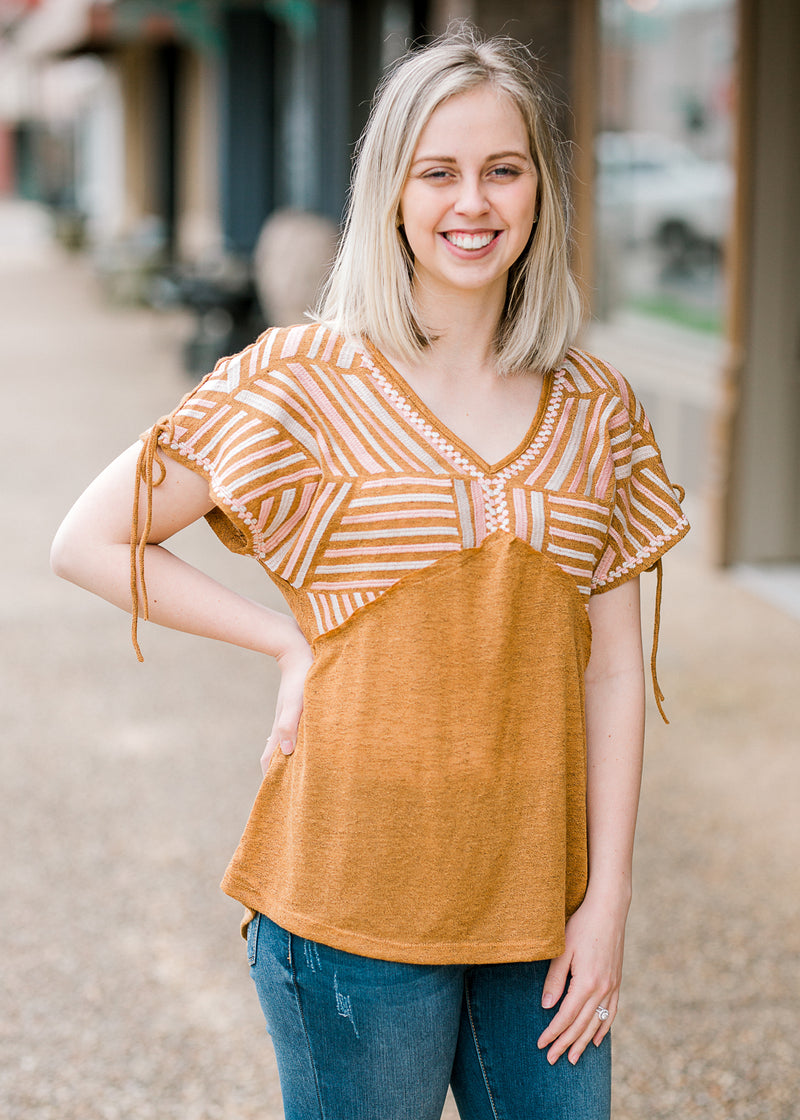 v neck amber top - epiphany boutiques