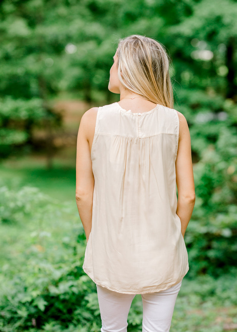 cream top with lace detail - epiphany boutiques