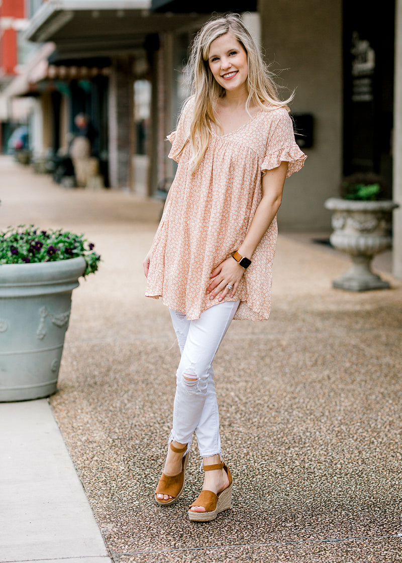 pale coral tunic with daises - epiphany boutiques