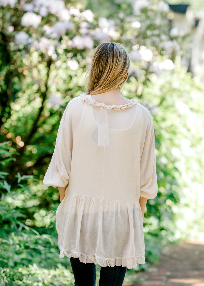 cream top with 3/4 sleeves - epiphany boutiques