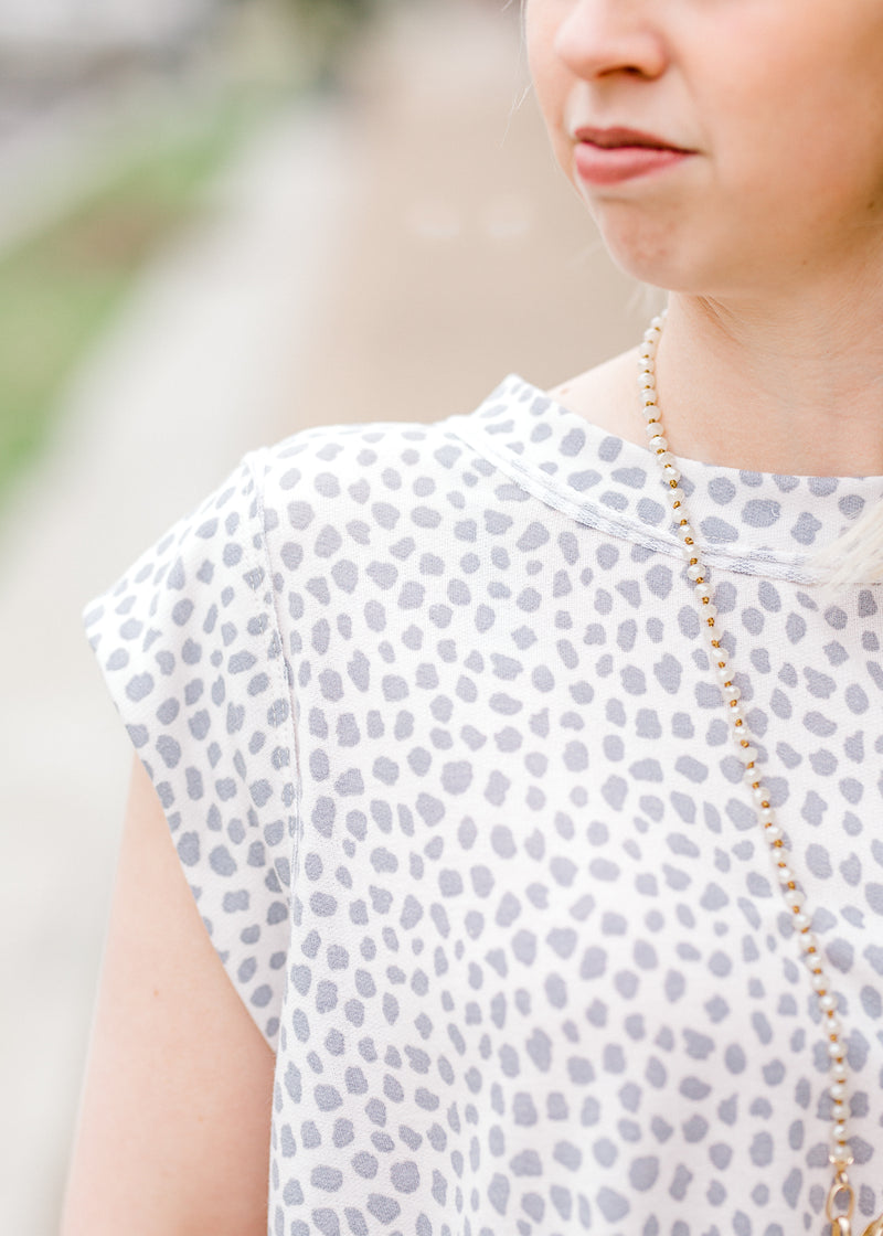 X Grey Dots Top for the Bump