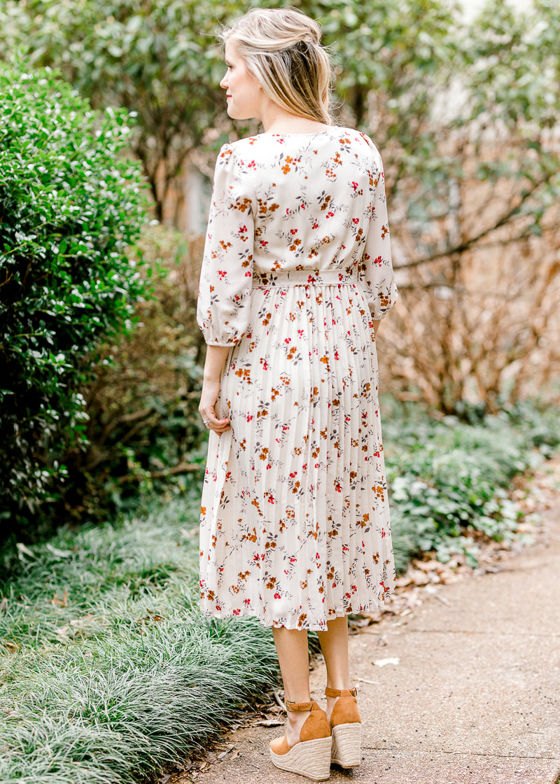back of midi dress with floral print - epiphany boutiques