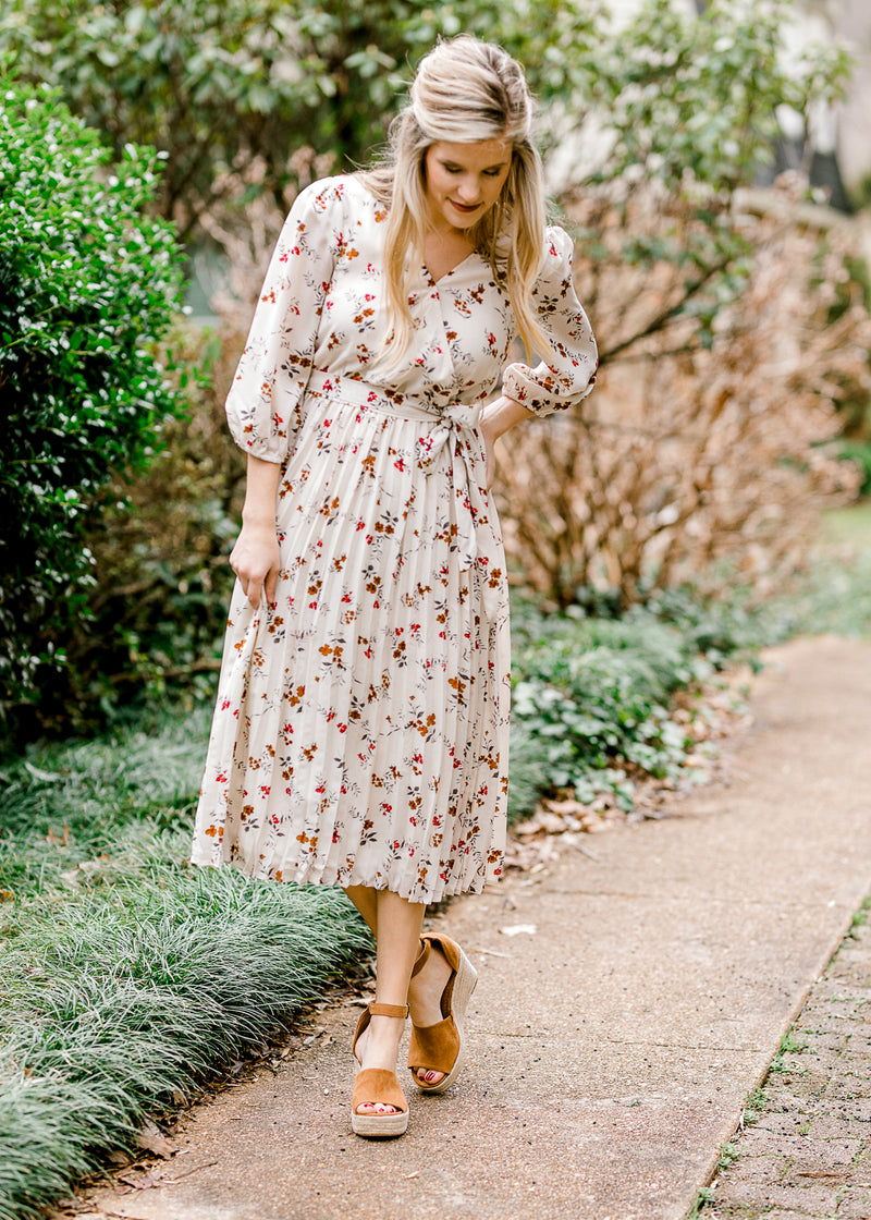 v neck dress with floral - epiphany boutiques