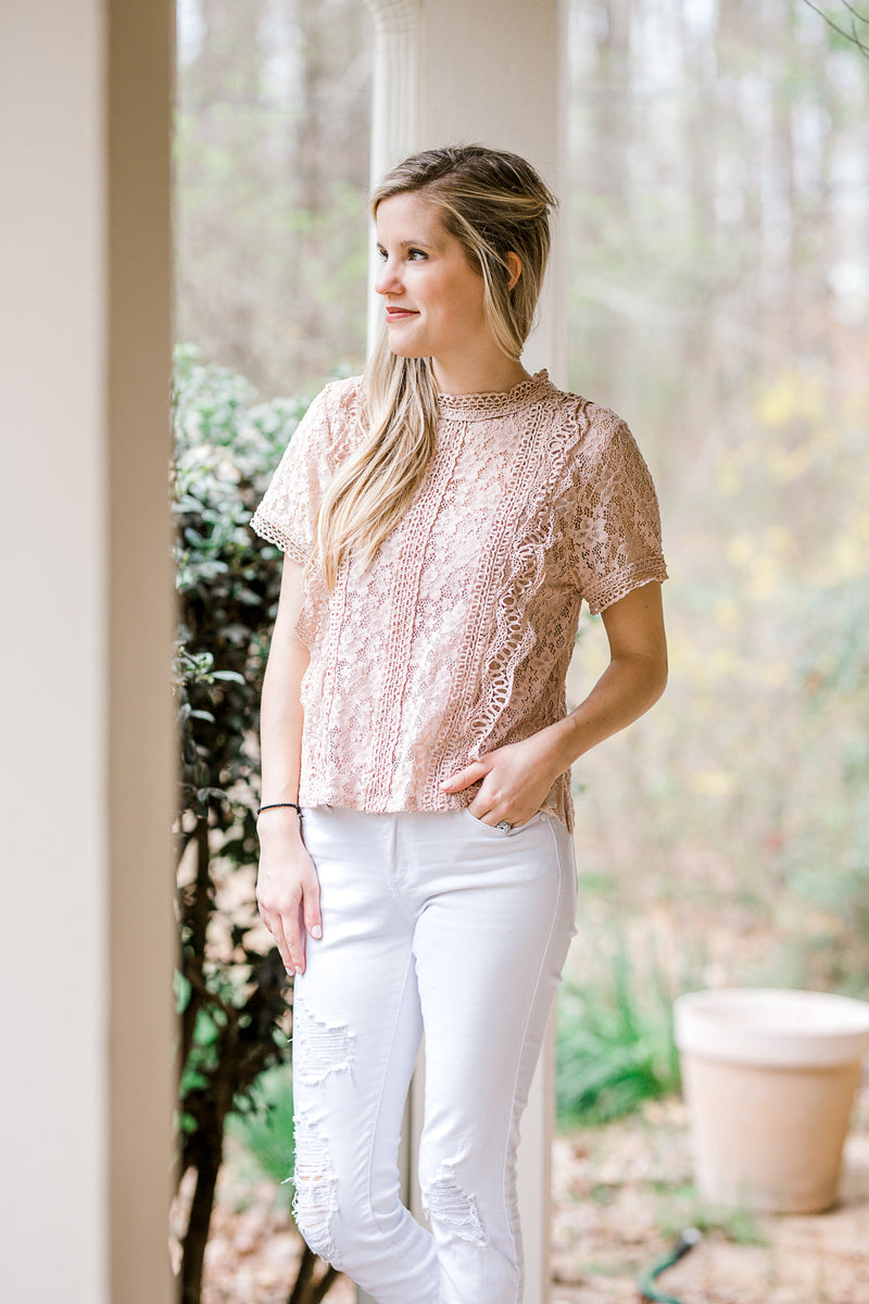 top with lace in a mauve color - epiphany boutiques