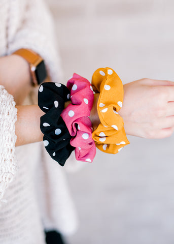 Stephanie's Dot Scrunchie Set