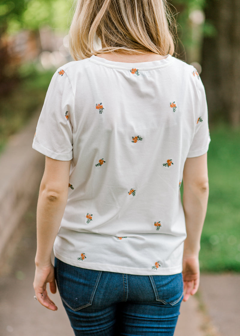 short sleeve floral top back view - epiphany boutiques