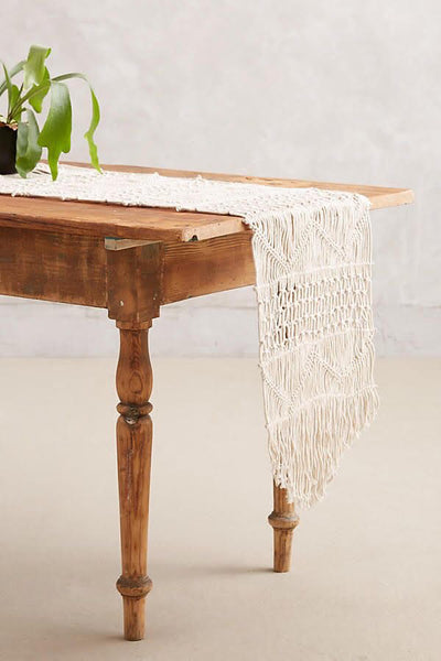 DIY Holiday Macramé Table Runner w/ Amie Phillips. Sunday, November 3, 10am-1pm.