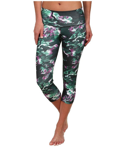 adidas - Performer Mid-Rise Three-Quarter Tight - Park Camo Print (Multicolor Print/Dark Grey/Matte Silver) Women's Workout