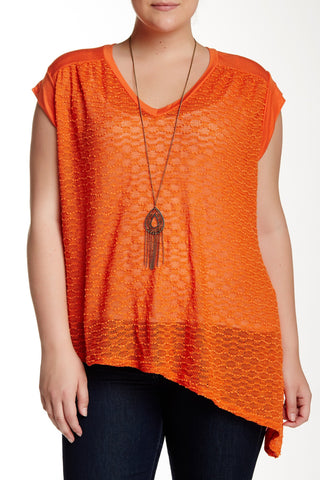 Asymmetrical Open Knit Tee With Necklace (Plus Size)-8344