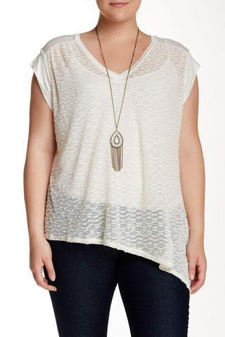 Asymmetrical Open Knit Tee With Necklace (Plus Size)-8345