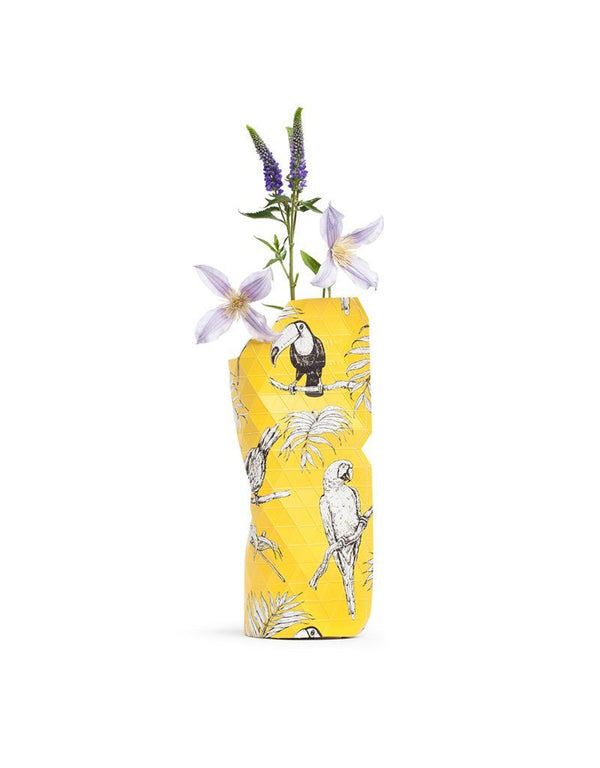 "Kleine Paper Vase Cover ""Yellow Birds"" Pepe Heykoop"