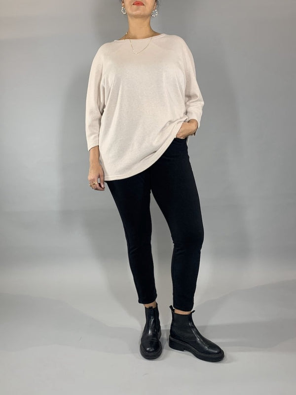Loved-by-Les-soeurs-shop-Merino-Perfectsweater-Creme-II