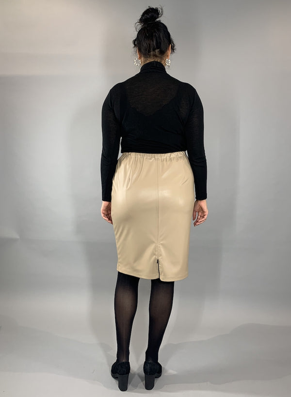 Loved-by-les-soeurs-shop-Pleather-skirt-Creme-II