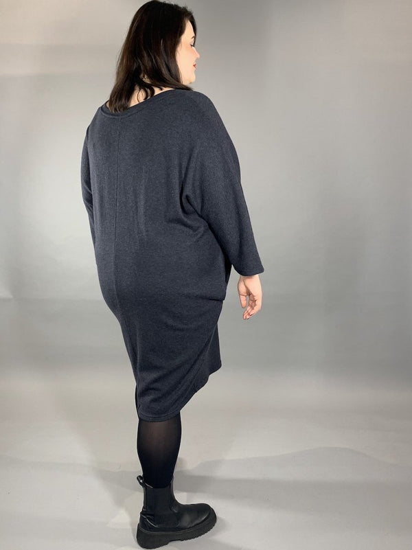 Loved-by-les-soeurs-shop-Sweaterdress-Merino-Anthrazit-II
