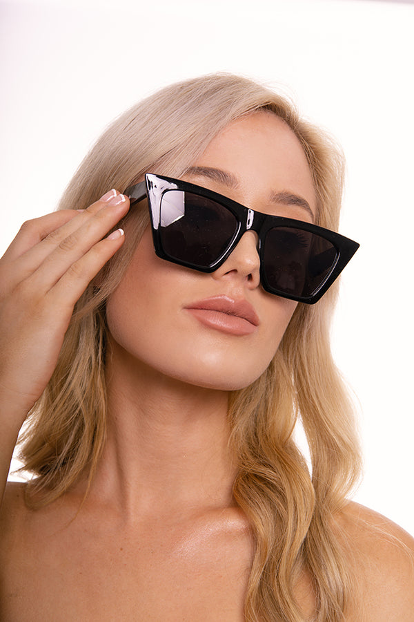 Falling Deep Black Sunglasses