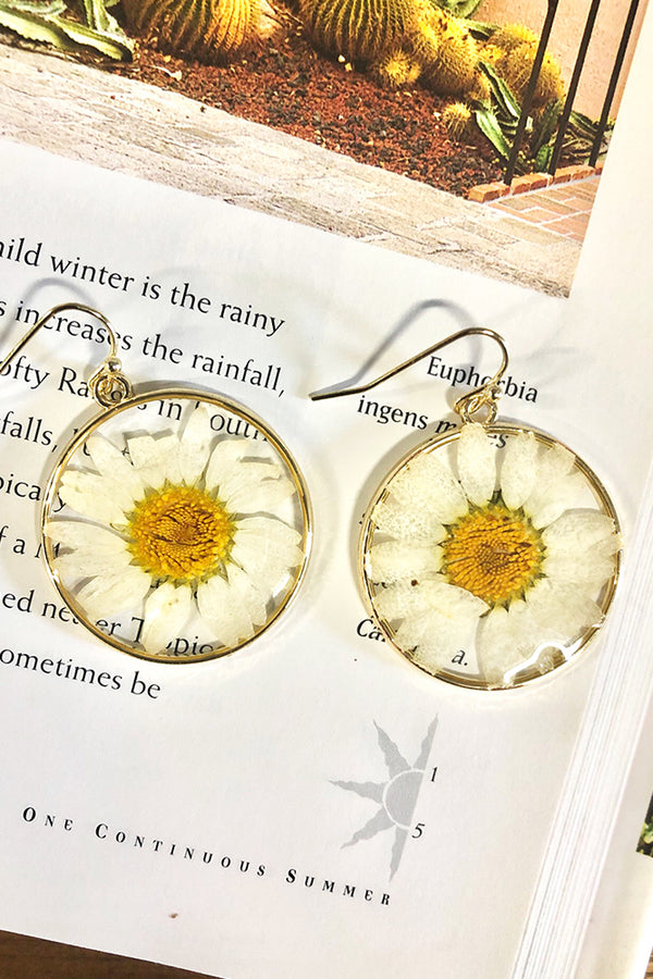 Forever Daisy Earrings