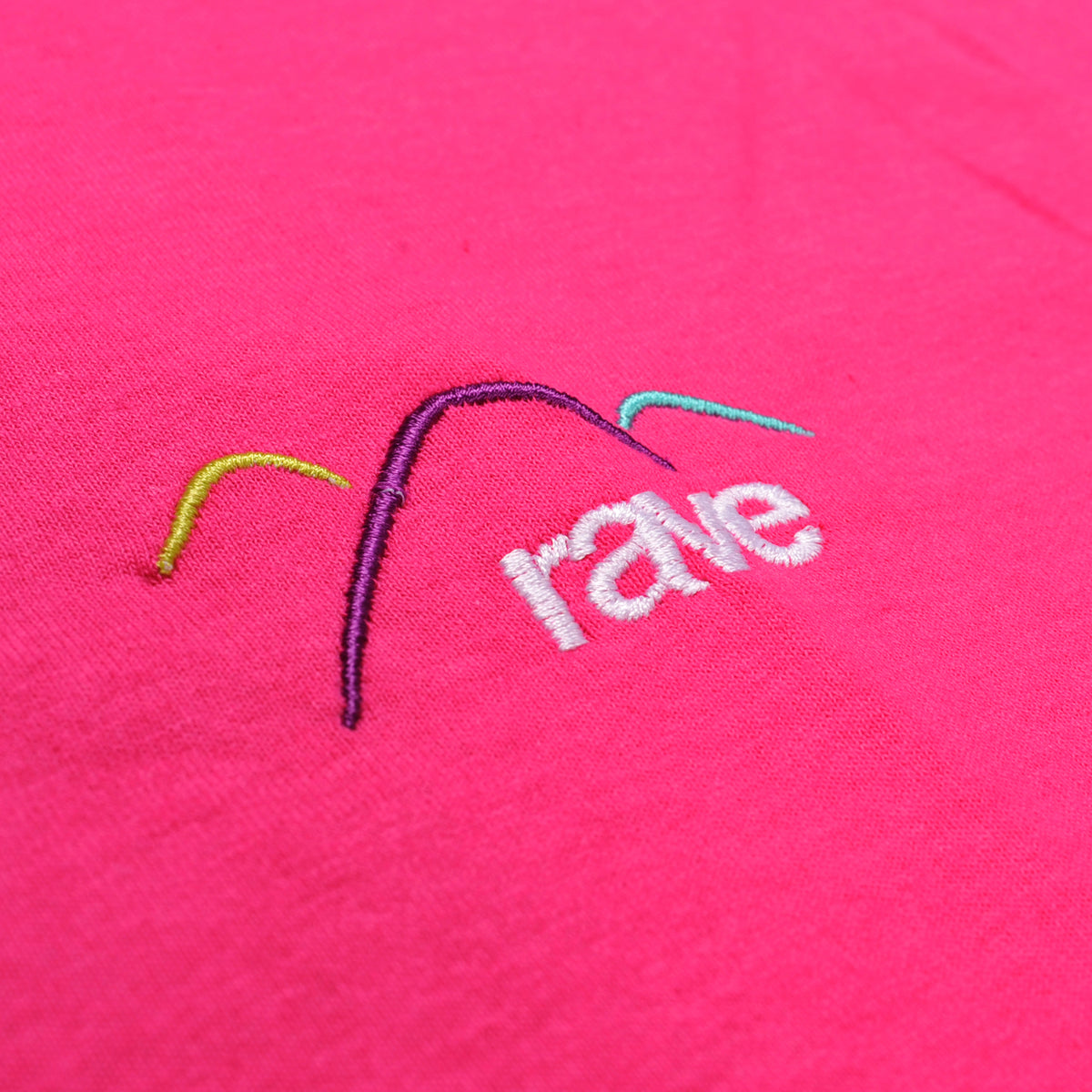 SUMMIT pink tee - RAVE skateboards