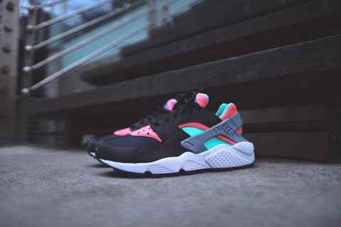 Womens Nike Air Huarache Black/ Hot Lava