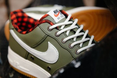... Nike Air Force 1 07 LV8 Flannel