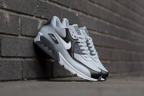 san francisco 6c19c 1c63f Nike Air Max 90 Essential ...