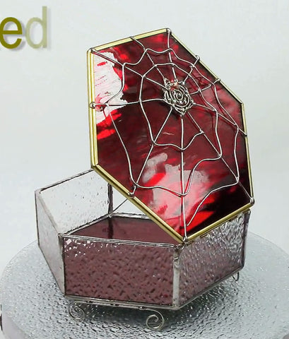 Delicious Spiderweb Glass Box Red