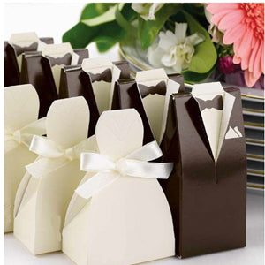 Adorable Favor boxes Bride & Groom
