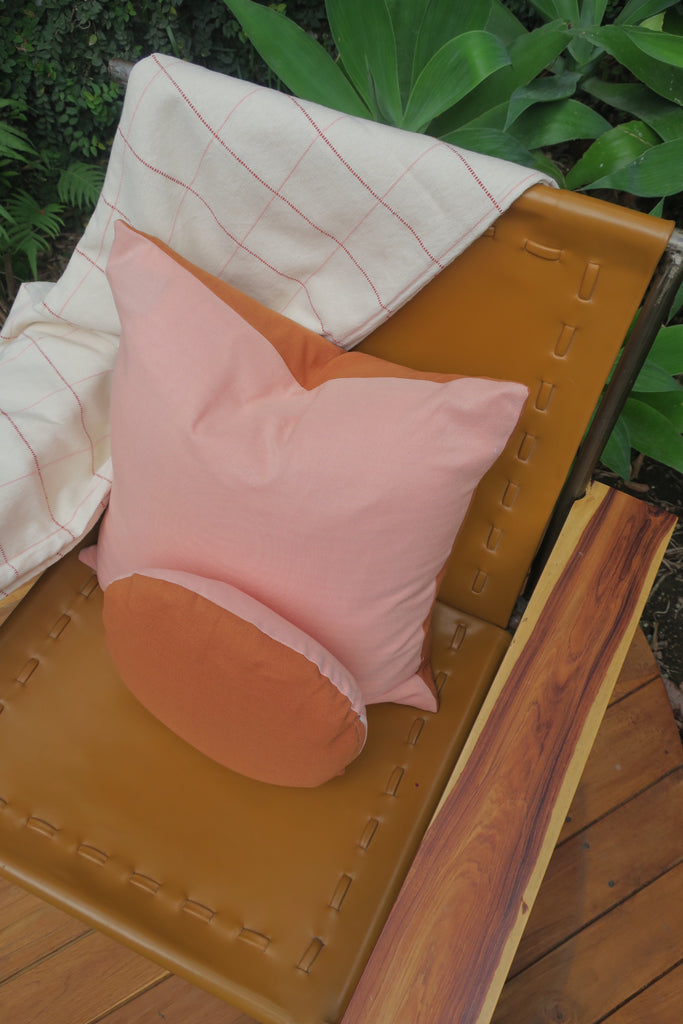 Two toned handwoven pillow set. Pink and Orange.