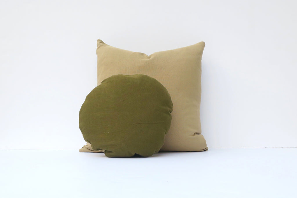 Two toned handwoven pillow set. Green.