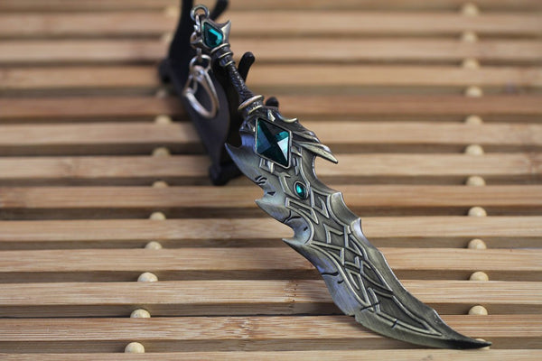 League of Legends Tryndamere Keychain - Geek Bling