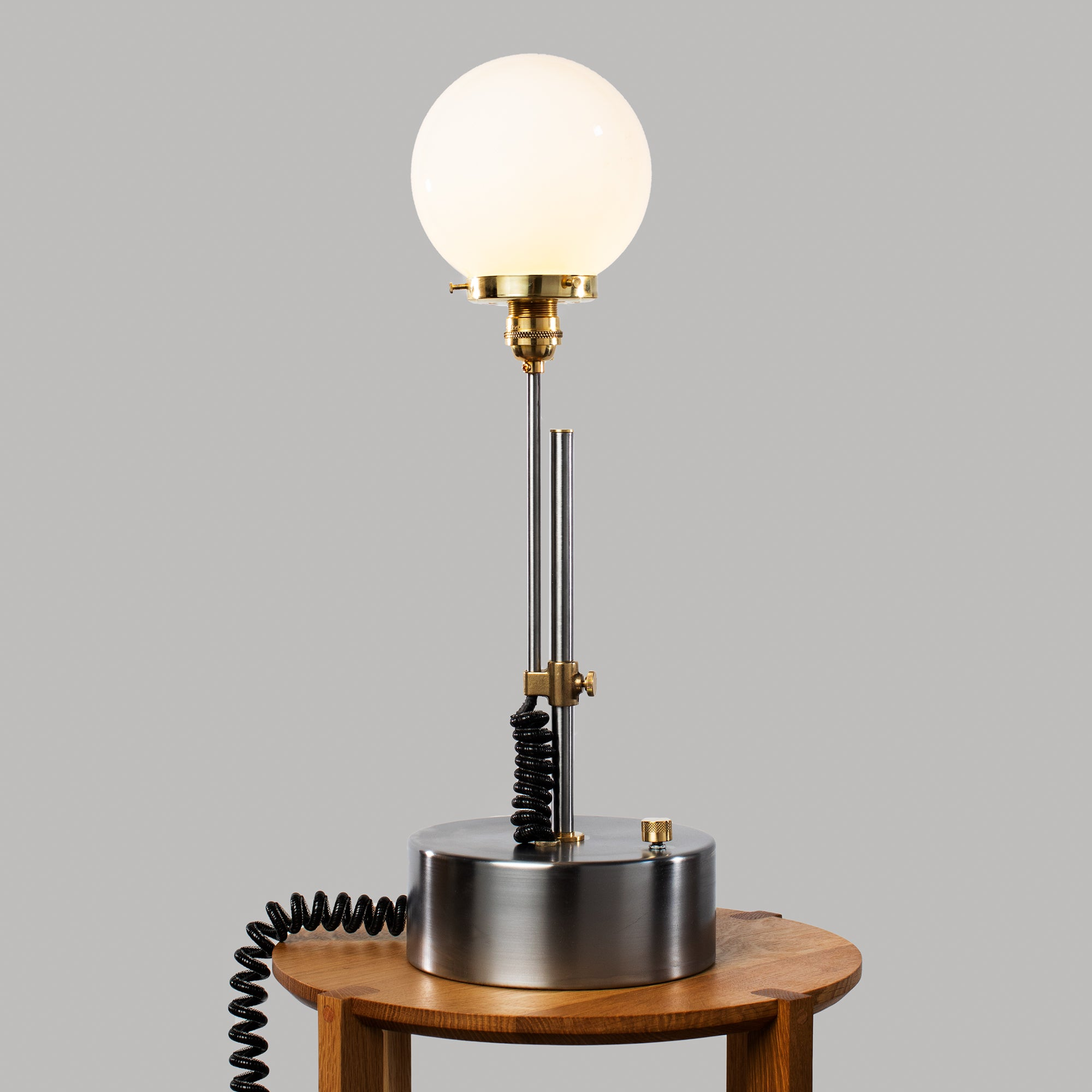 Curly Q Table lamp in Steel