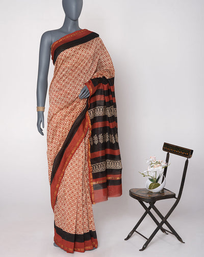 Off-White Maroon Geometric Pattern Hand Block Zari Border Chanderi Saree With Blouse - Fabriclore.com