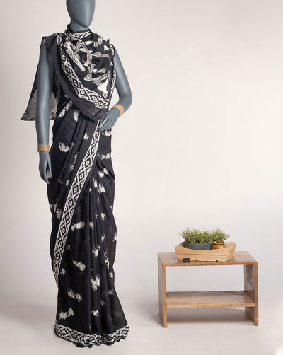 Black White Geometric Pattern Printed Cotton Saree With Blouse - Fabriclore.com