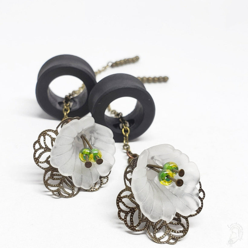 Ebony Magnetic Tunnels ft. Detachable White Lily Dangles