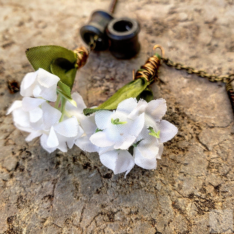Organic Magnetic Ebony Tunnels Ft. Detachable White Blooming Bouquets Dangles