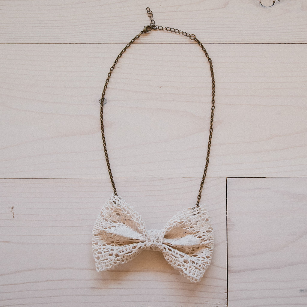 Bowtie Necklace - Cream