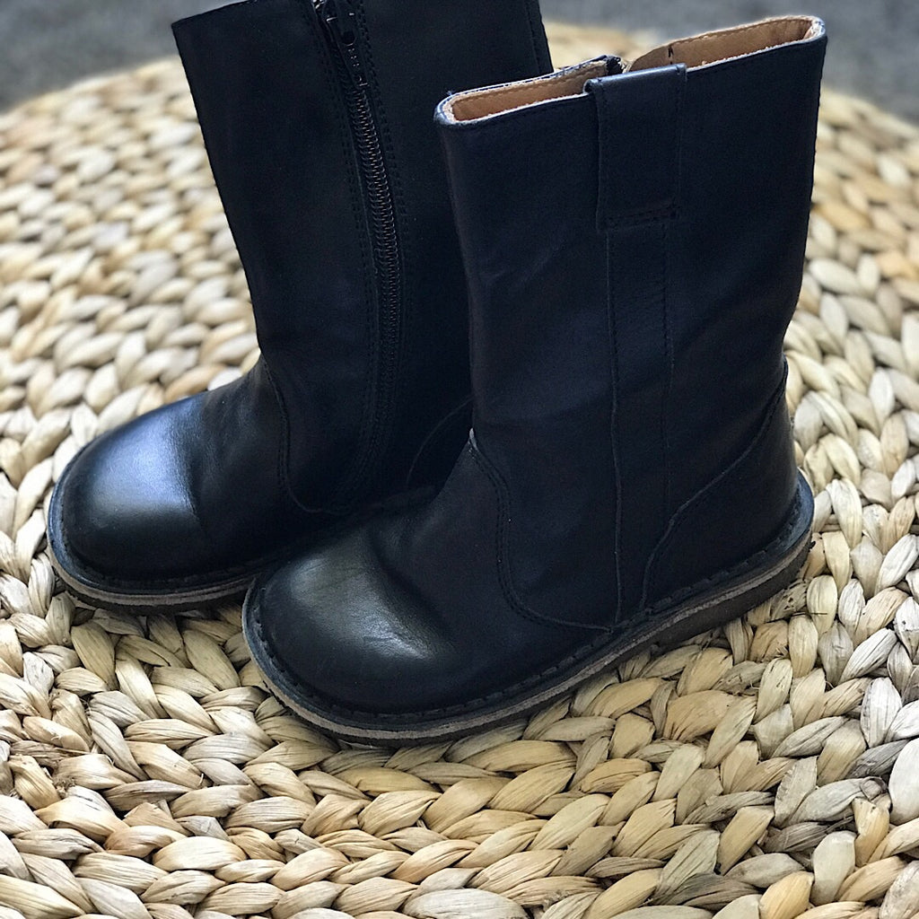 Pepe Leather Boot - Black - size 8.5 # 28