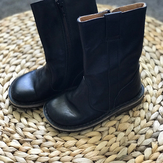 Pepe Leather Boot - Black - size 8.5 US/25 EU