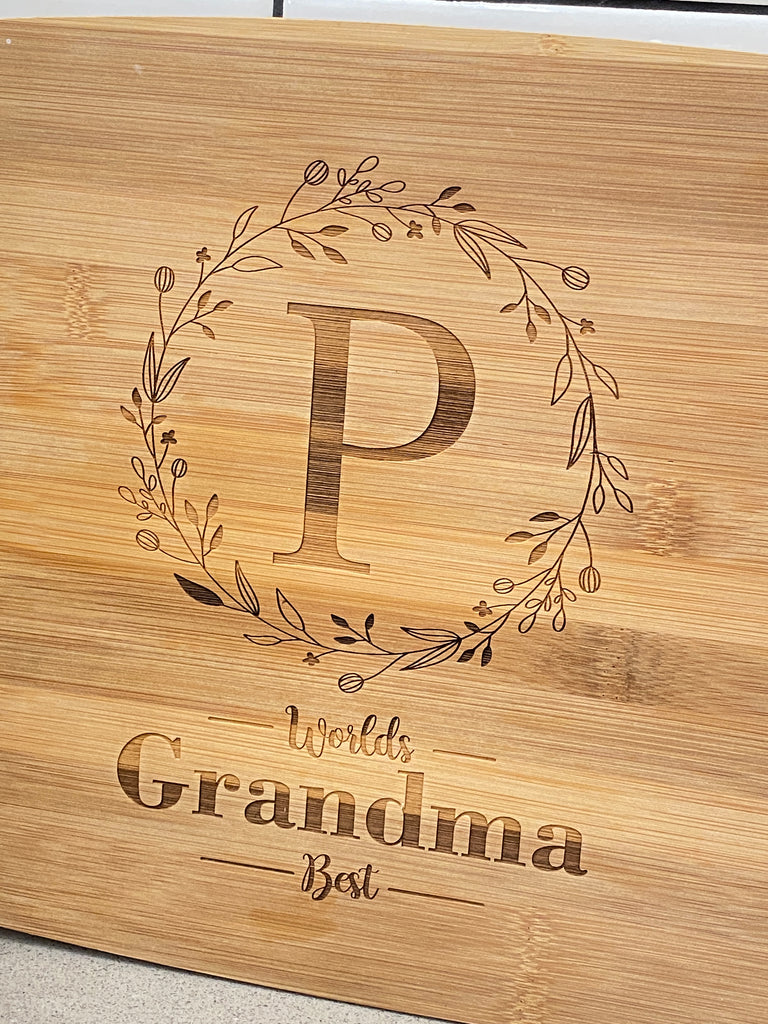 Engraved 2-tone Cutting Board | Monogram w Wreath