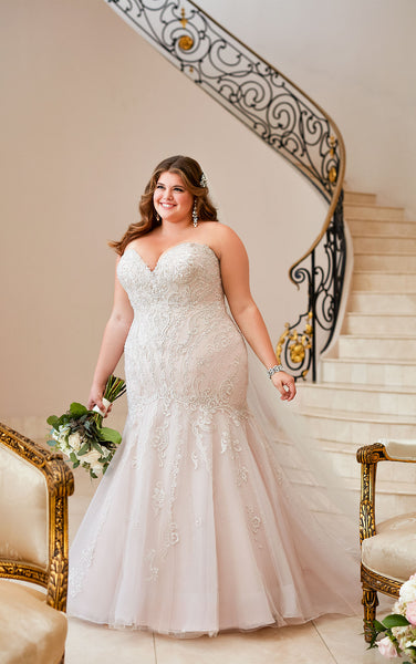 Mermaid wedding dress with Glamorous Lace  Size 24