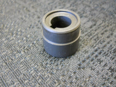 One (1) USED Bendix Mag Bushing/Spacer 10-51651|Un (1) Bendix 10-51651 Arandela de Separación (Usado)