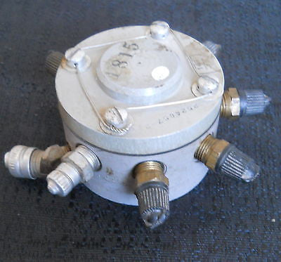 One (1) Lycoming 2524057-2 Manifold Assy (Fuel Distributor)|Un (1) Lycoming 2524057-2 Distribuidor de Combustible