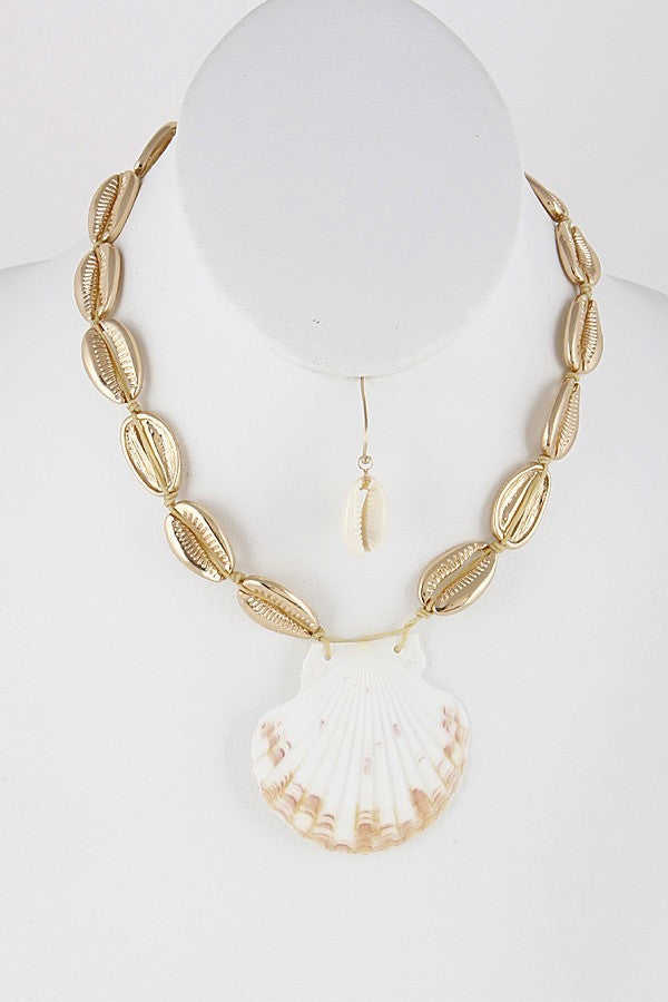Big SeaShell Necklace