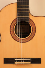 Raimundo / 1498-Cedar Requinto Cut-Away / Cutaway Electro-Acoustic Requinto
