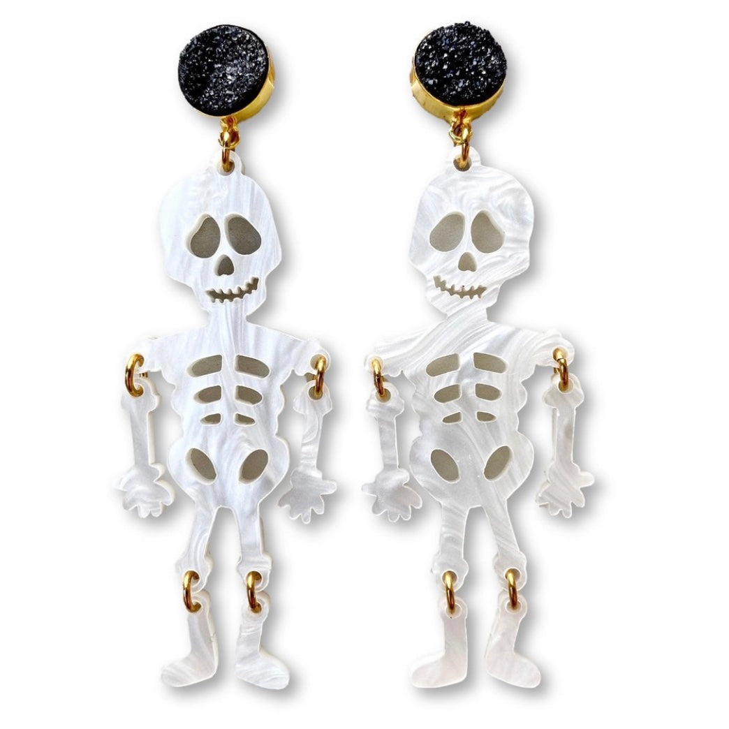 HALLOWEEN - WHITE PEARL ACRYLIC SKELETON WITH BLACK DRUZY